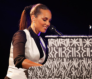 Albert Hall performance leaves Alicia Keys 'speechless'