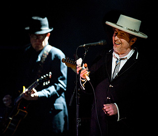 Bob Dylan, 70, rocks out at London festival