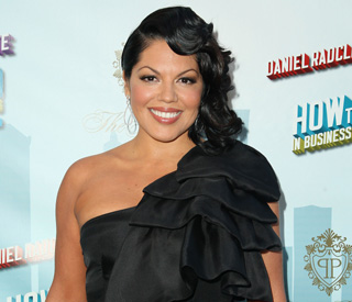 'Grey's Anatomy' doctor Sara Ramirez to wed