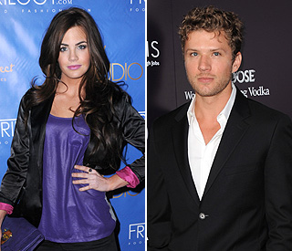 Ryan Phillippe supports ex Alexis through birth