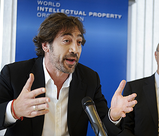 Javier Bardem takes a stand for actors' rights