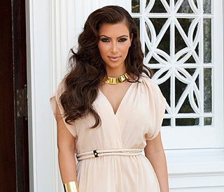 Kim Kardashian struggles with 'pressure to look perfect'