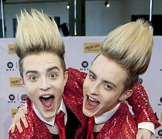 Jedward offer to donate their hair to Prince William