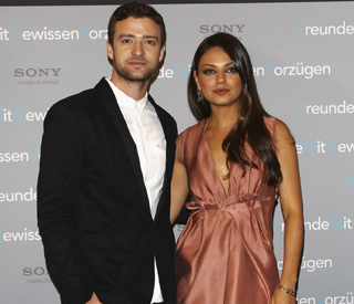 Mila Kunis jumps to Justin's defence in Russian