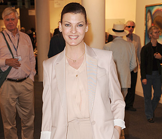 Linda Evangelista requests $46,000 child support