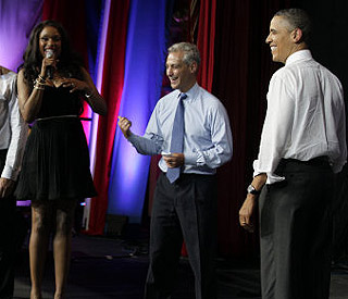 Jennifer Hudson serenades Barack Obama on 50th