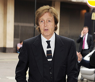 Paul McCartney addresses Heather's hacking claims