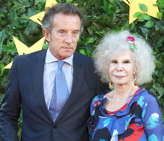 Duchess of Alba, 85, gives away fortune to marry