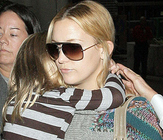 Kate Hudson to copy mum's relaxed parenting style