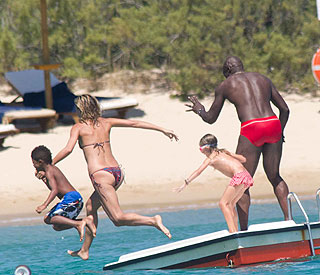 Holiday romance: Heidi and Seal smitten in Sardinia