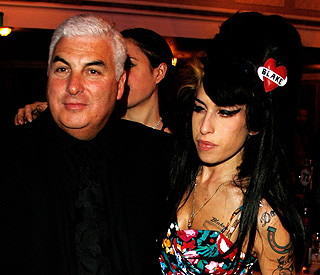 Mitch Winehouse puts Amy's foundation on hold