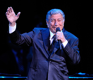 Tony Bennet to headline Amy Winehouse tribute