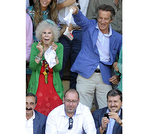 Duchess of Alba criticises son for objection to marriage