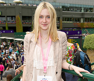 Dakota Fanning's UK accent praised