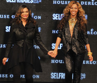 Pregnant Beyonce dazzles on House of Dereon runway