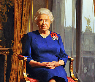'Graceful' new portrait of the Queen unveiled