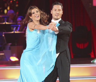 'Dancing With The Stars' says goodbye to Elisabetta