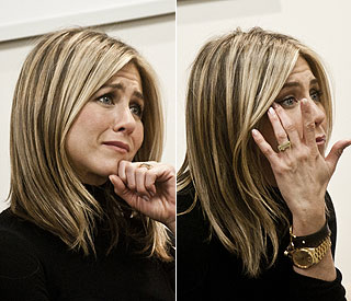Jennifer Aniston moved to tears on cancer ward visit