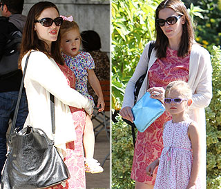 Flower power for pregnant Jennifer Garner and girls
