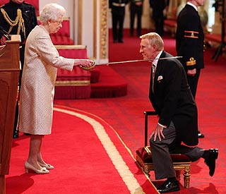 Bruce Forsyth plays his cards right with the Queen