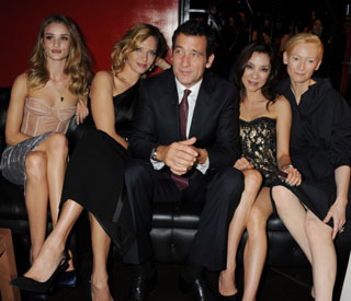 Clive Owen and the ladies: star gets lucky on night out