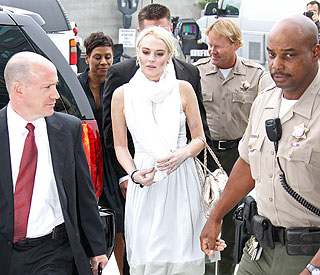 Lindsay Lohan late on first day of morgue duty