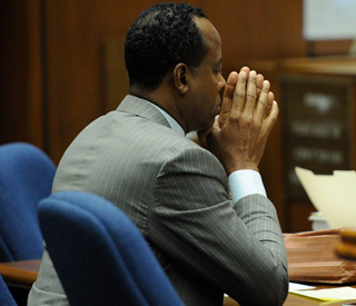 Conrad Murray won't testify in Michael Jackson trial