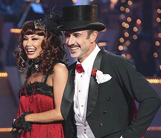 David Arquette waltzes off Dancing With The Stars
