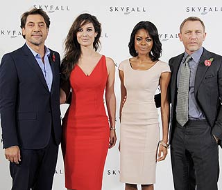 Bond's back! Cast come together for 'Skyfall' shoot
