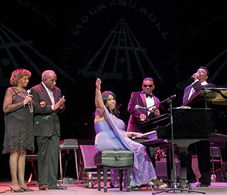 Music stars honour soul great Aretha Franklin