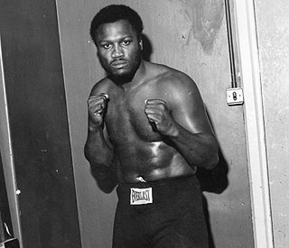 Tributes flood in for boxing legend Joe Frazier