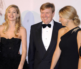 Maxima holds her own against fashion model