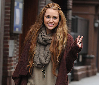 Miley Cyrus covers Bob Dylan for charity