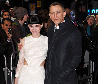 Rooney Mara wows in white at 'Tattoo' premiere