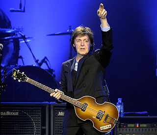 Celeb audience excites 'starstruck' Paul McCartney
