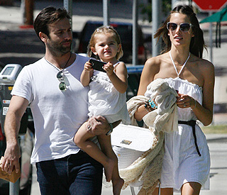 Alessandra Ambrosio pregnant with second child