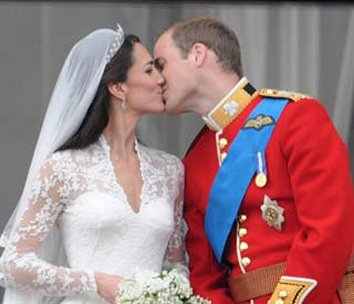 William and Kate kiss voted top TV moment of 2011