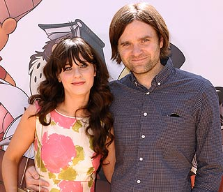 Actress Zooey Deschanel files for divorce