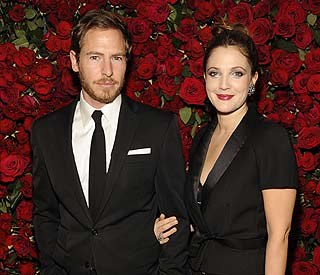 Charlie's Angel Drew Barrymore to tie the knot