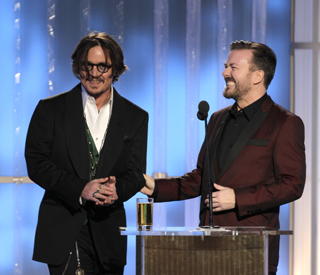 Risqué Ricky Gervais mixes it up at Golden Globes