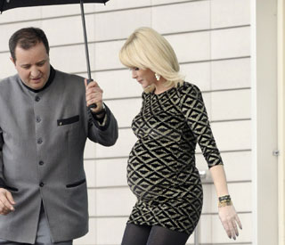 Complications for Amanda Holden as she gives birth