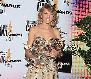 Taylor Swift only female nominee at Country awards