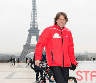 Comic John Bishop set to row the Channel