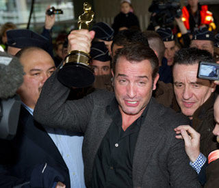 Jean Dujardin gets hero's welcome in France