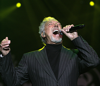 Sir Tom Jones: 'Talent show judges should sing too'