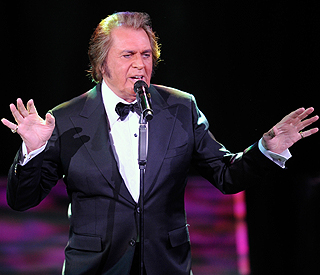 Engelbert Humperdink UK Eurovision song announced