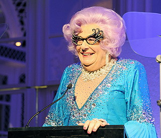 Dame Edna Everage announces retirement