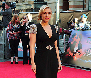 Kate Winslet 'won't look' at her 'terrible' 3D nude