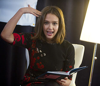 Jessica Alba to read poetry for kids on TV