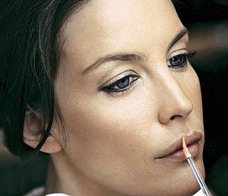 The key to Liv Tyler's natural golden glow
